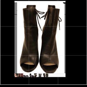 Pour La Victoire Peep Toe Lace Boots/booties